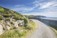 Weg Carreg Onnen Bay Along Pembrokeshire Coast stockfotografie