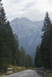 Weg in de bergen Stock Afbeelding