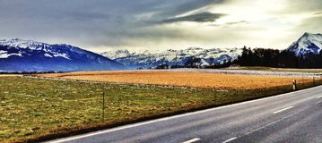 Weg in de bergen Royalty-vrije Stock Fotografie