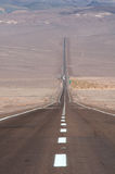 Weg in de woestijn Stock Foto's