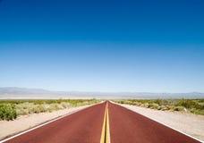 Weg in de woestijn Stock Fotografie