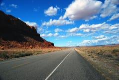 Weg in de Woestijn Royalty-vrije Stock Afbeeldingen