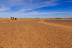 Weg in de woestijn de Sahara Royalty-vrije Stock Fotografie