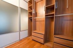 Weg in der Garderobe Stockbilder