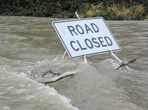Weg die door Water wordt gesloten Stock Foto