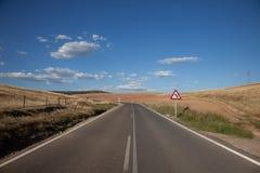 Weg die een $c-andalusisch landschap kruist Royalty-vrije Stock Fotografie