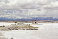 Weg die woestijnstad kruisen Stock Afbeelding