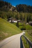 Weg in Dolomietbergen, Italië stock afbeelding