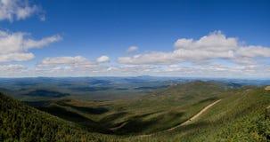 Weg door bergen Stock Fotografie