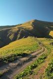Weg door de bergen Stock Afbeelding