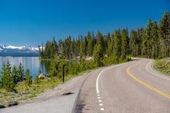 Weg door het meer in Yellowstone Royalty-vrije Stock Foto