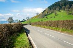 Weg door het platteland Noord- van Wales Stock Afbeeldingen