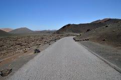 Weg door het vulkanische gebied. Stock Afbeelding