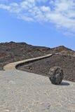 Weg door vulkanisch landschap Royalty-vrije Stock Afbeeldingen