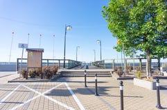 Weg durch einen Pier Stockbilder