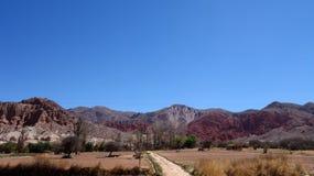 Weg en bergen - het Noorden van Argentinië/noa, jujuy salta, royalty-vrije stock fotografie