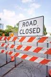Weg gesloten teken bij straat Stock Fotografie