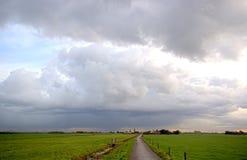 Weg HDR aan het onweer Stock Foto's