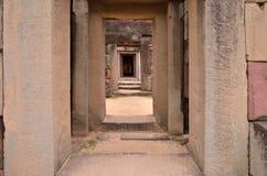 Weg in het kasteel van de zandsteen Royalty-vrije Stock Foto's
