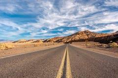 Weg in het Nationale Park van de Doodsvallei, Californië Royalty-vrije Stock Fotografie