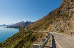 Weg langs het meer Stock Afbeelding