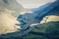Weg in muntains - Transfagarasan-weg Royalty-vrije Stock Foto's