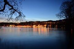 Weg nahe See Lugano Stockfotos