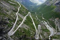 Weg in Noorwegen Stock Afbeeldingen