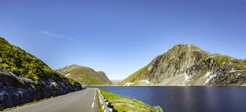 Weg in Noorwegen royalty-vrije stock foto
