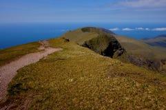 Weg op berg Ierland Stock Afbeelding