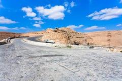 Weg op bergpas in Jordanië-2 Stock Foto