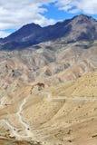 Weg op grote hoogte in het Himalayagebergte Royalty-vrije Stock Foto