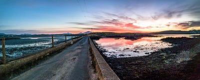 Weg over de Atlantische Oceaan in de zonsondergang Royalty-vrije Stock Afbeelding