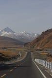 Weg over de berg Royalty-vrije Stock Foto's