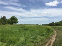 Weg in platteland Stock Afbeeldingen