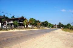 Weg in platteland bij Vientiane-Stad Loas stock fotografie