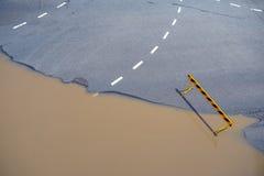 Weg submerg in vloedwater Royalty-vrije Stock Afbeelding