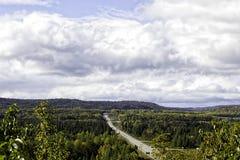 Weg trans-Canada in noordelijk Ontario Royalty-vrije Stock Afbeeldingen