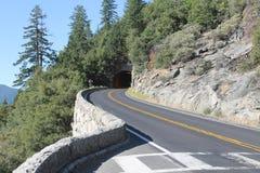 Weg ~ & Tunnel van het Yosemite de de Nationale Park ~ 2013 Stock Foto's
