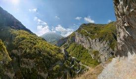 Weg vom reifen in den Pyrenäen Stockbild