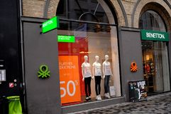 50% weg vom Verkauf bei Benetton Stockbild