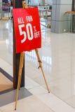 50% weg vom Verkaufszeichen Lizenzfreies Stockfoto