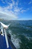 Weg von der Seite eines Bootes Stockbild