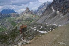 Weg zu Rifugio Antonio Locatelli in den Dolomit, Italien Lizenzfreie Stockfotos