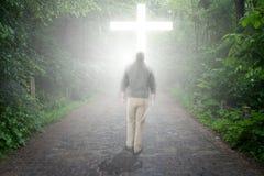Weg zum Kreuz Stockfoto