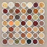 Weganin Wysoki - proteinowy zdrowia jedzenie zdjęcia royalty free