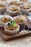 Weganinów bananowi marchwiani muffins Zdjęcie Stock