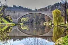 Wegbrug in Lokta & x28; Sokolov District& x29; , Tsjechische Republiek Royalty-vrije Stock Foto's