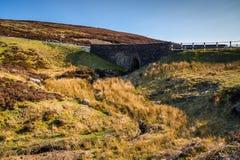 Wegbrug over Burnhope-Brandwond in het Noordenpennines royalty-vrije stock afbeelding