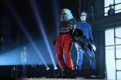 Wege Teyana Taylor die Rollbahn an der Wiederholung vor Philipp Plein-Modeschau lizenzfreie stockfotos